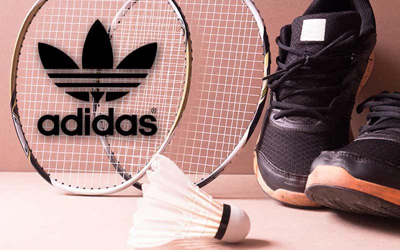ไม้แบตเป็นอุปกรณ์ส่วนสำคัญของการเล่นกีฬาชนิดเป็นอย่างมาก